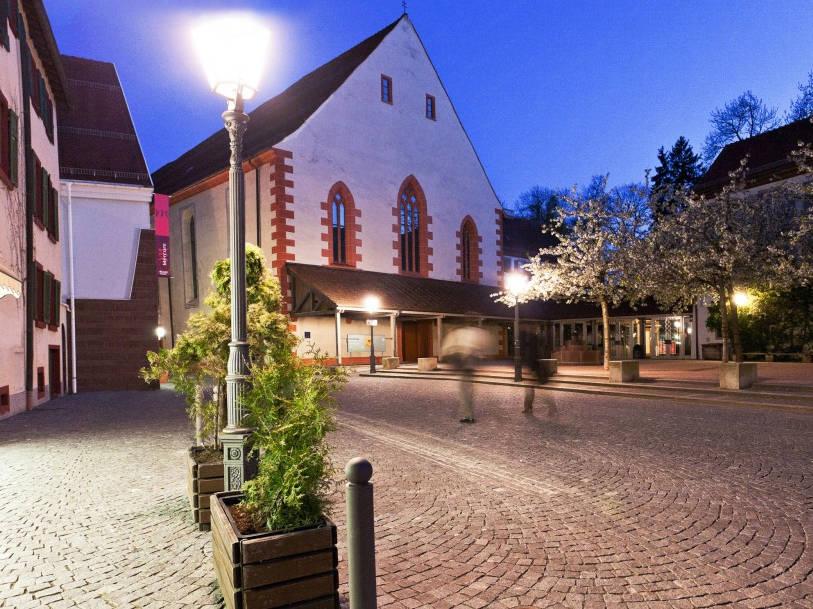 Osianderplatz mit Konzerthaus Franziskaner. Franziskanermuseum, Villingen-Schwenningen