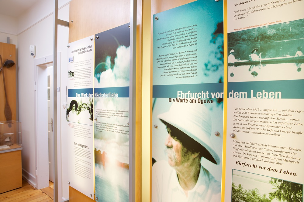 Albert-Schweitzer-Haus Königsfeld, Ausstellung